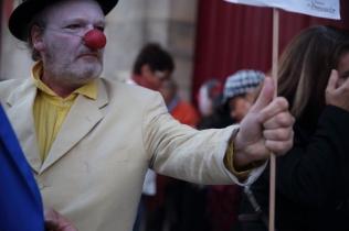Il est bien comme ça le clown.